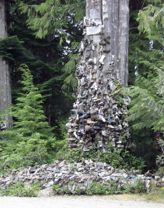 Worlds Largest Shoe Tree